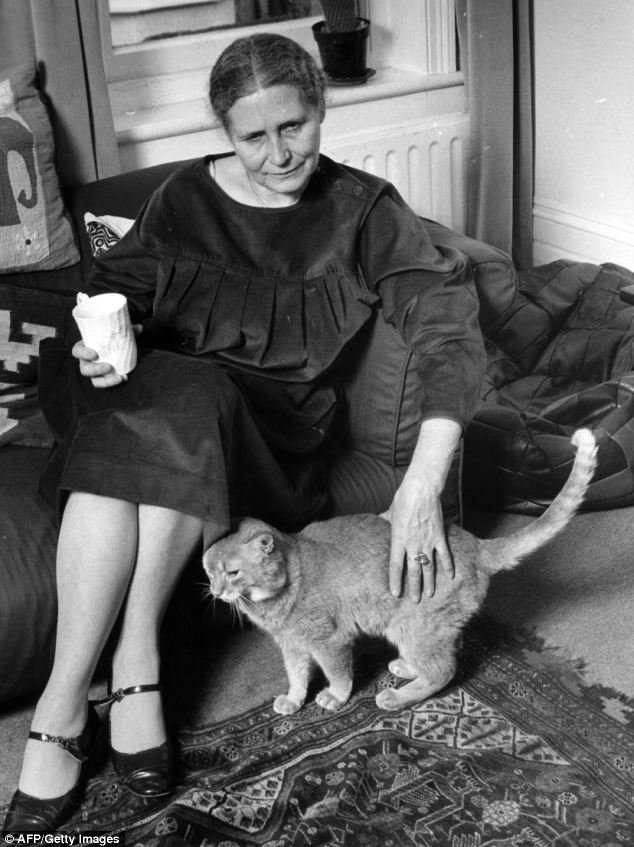 Doris Lessing et son chat
